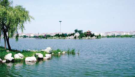 学校荟萃湖公园