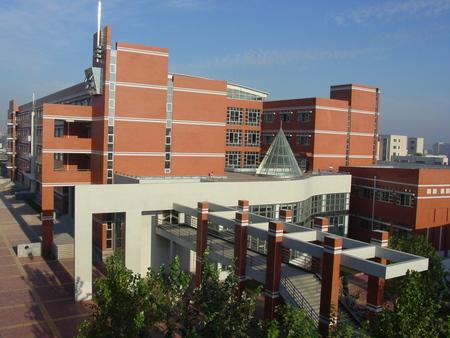 学校第四教学楼